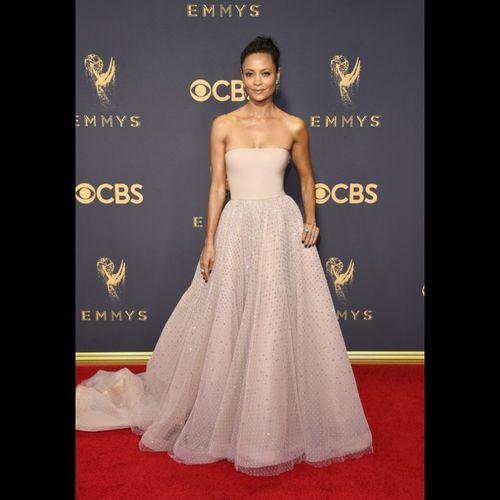 Les plus beaux looks du tapis rouge des Emmy Awards   Thandie Newton