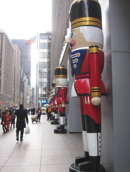 Giant Nutcrackers - I've never seen a nutcracker this big!  I have a lifesize one but this is indeed a GIANT!
