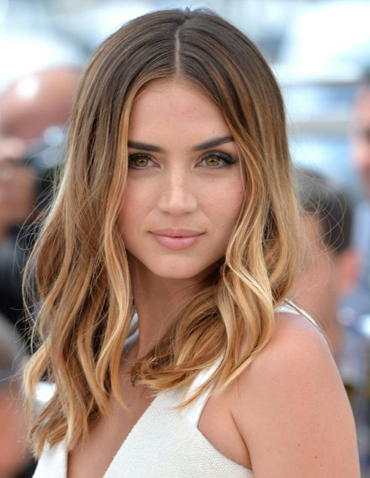 The 34 Most Epic Celebrity Hair Transformations Of 2017 Hair Styles Medium Hair Styles Brown Blonde Hair