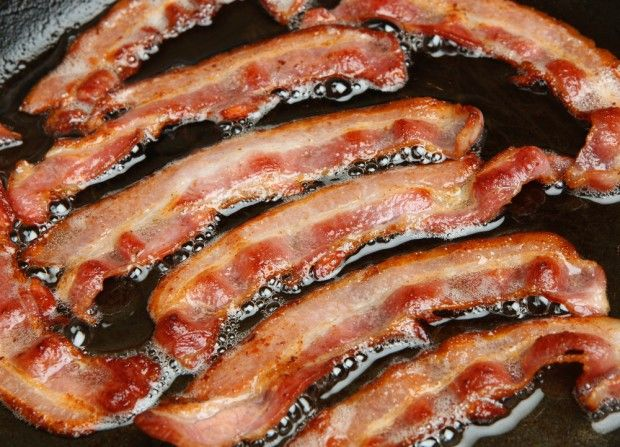 SUBWAY BOWS to ISLAM !   Did Subway Really Cut Bacon and Ham From 185 Stores Due to Islamic Demand?