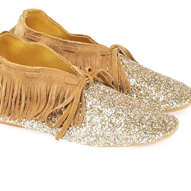 Une partie de la famille Anniel est arrivée!  #anniel #annielmoda #shoes #chaussures #lamgca #cammello #orochiaro #scarpa #indianna #ballerine #indienne #paillette #camel #frange #n31 #n31_saint_etienne #nouvellecollection #printempsete2016 #springsummer2016 #boutique #sainté #saintetienne #saint_etienne #loveit #weekend #vendredi