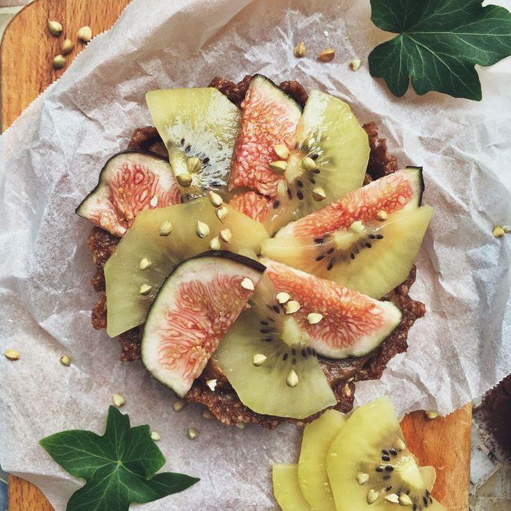 Frukost-tartelette med nyttig chockladmousse och färsk frukt // Breakfast tartelette with healthy chocolate mousse and fresh fruit
