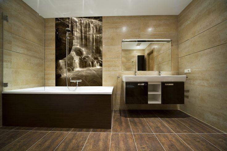 Lastra per parete bagno in alluminio molato a mano. stampa UV e vernice protettiva antigraffio.