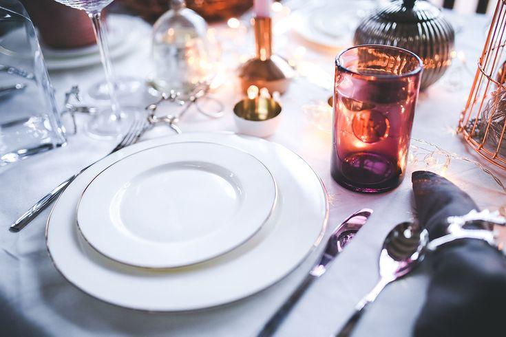 Sezon ślubny rozpoczął się na dobre. Jeżeli szukacie inspiracji lub wskazówek, sprawdźcie nasz poradnik ślubny i weselny.   W razie pytań, nasi fachowcy służą pomocą!
