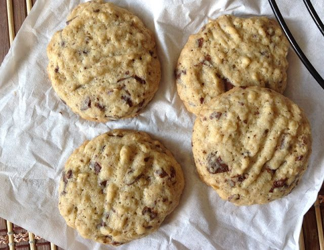 VÍKENDOVÉ PEČENÍ: Cookies s čokoládou a ovesnými vločkami