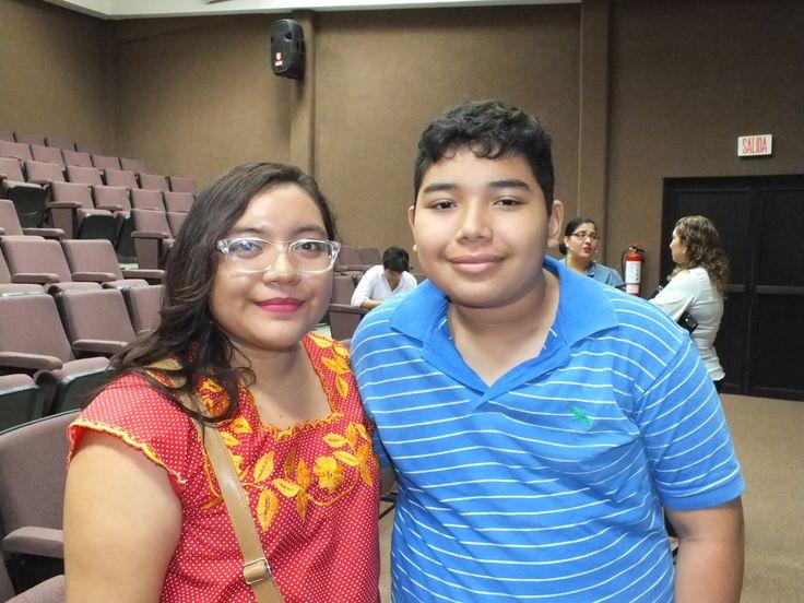 Ingrid Manzanero y Jose Alfredo Sosa en La Conferencia pro Oscar reyes de Vulnerabilidad Social en cancun