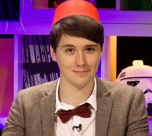 THIS IS DAN HOWELL DRESSED AS THE 11TH DOCTOR HOW CAN YOU NOT REPIN?!