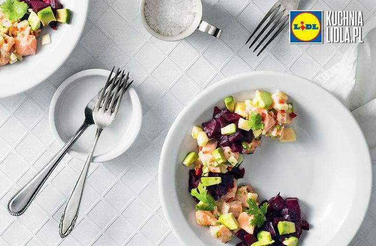 Sałatka z łososia z jabłkiem i tatarem z buraka. Kuchnia Lidla - Lidl Polska #okrasa #losos #tatar #burak