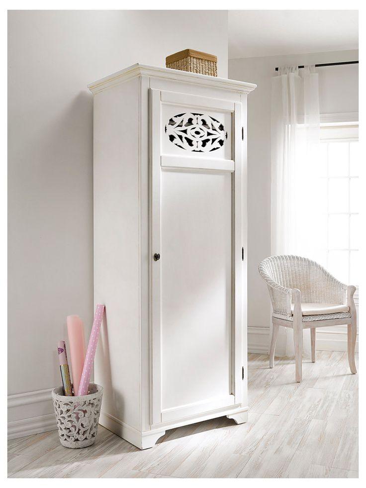 arriveriez vous tout ranger dedans armoire armoire linge chez un int rieur. Black Bedroom Furniture Sets. Home Design Ideas