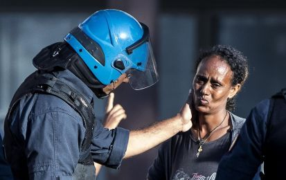 Italian Racism: a good policeman is a sensational news in Italy. Violent cops are normality
