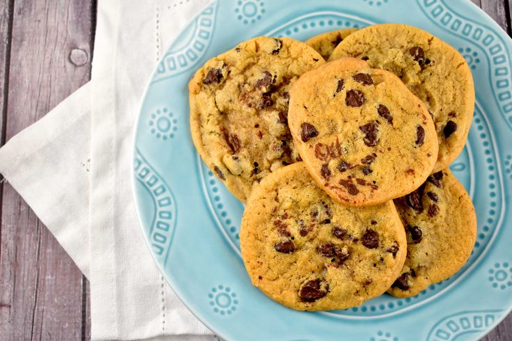 When following ANY diet plan, it's important to be able to have a good, reliable Chocolate Chip Cookie Recipe on hand. Let's face it, there are times when you absolutely must have some cookies, so why not have a good selection of Weight Watchers Chocolate Chip Cookies Recipes to choose from?