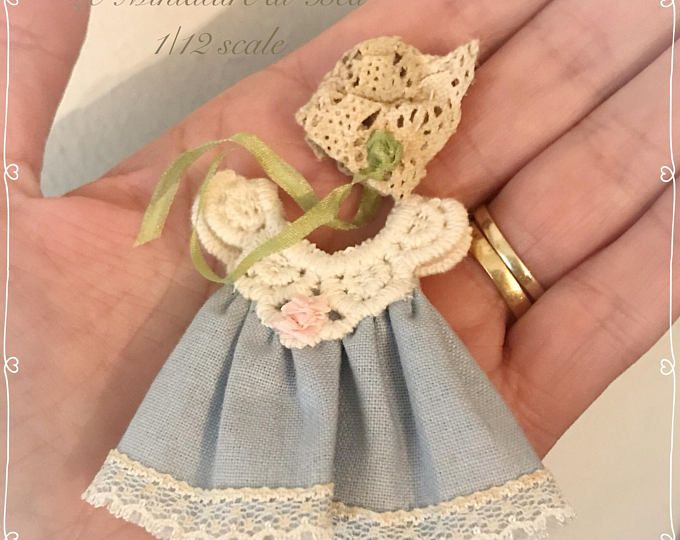 Handmade Miniature Dolls House 1//12th scale Hand Knitted Clothing.