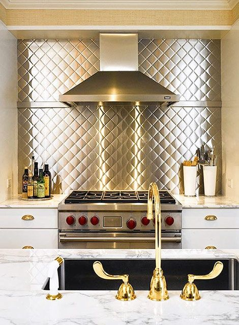 This is a Stainless Steel Diamond Print Backsplash! It comes in Gold or Silver... Stainless Steel Backsplash Ideas For Kitchens | Decozilla