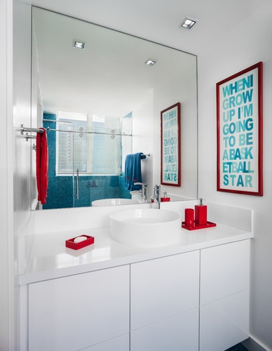 Kids bathroom. Like the blue and red Idea for gender neutral