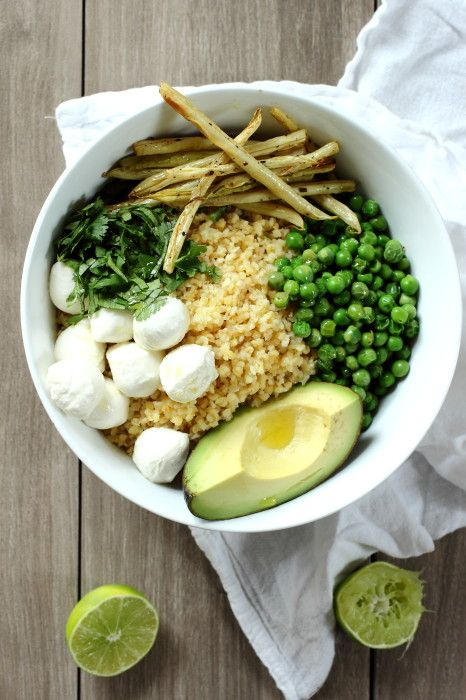 Bulgar and Mozzarella Salad with Roasted Yellow Beans and Avocado (chicken broth paste, yellow wax beans, mozzarella balls, peas)