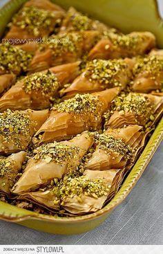 Baklawa Składniki: około 500 g ciasta filo (2 opakowani… na Stylowi.pl