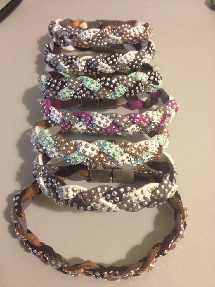 Simpatici braccialetti in cuoio, leggeri e colorati!