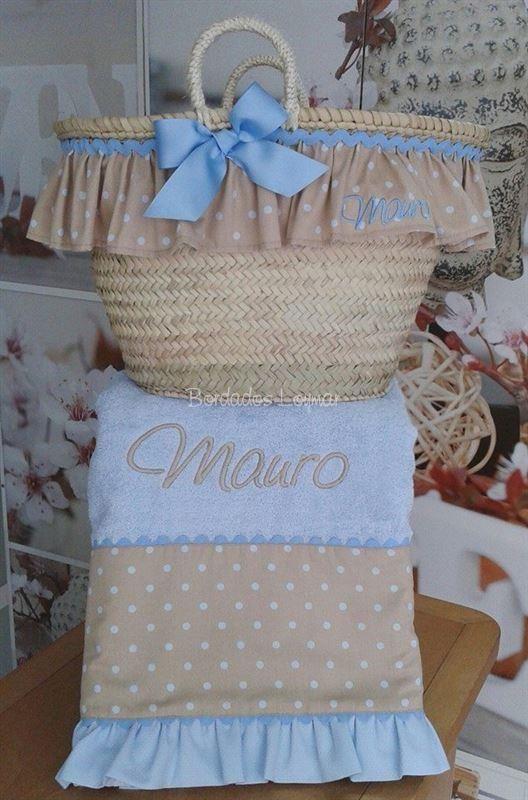 Conjunto de Capazo y Toalla de Playa para Mauro !!! http://www.bordadosloymar.es/capazos-de-playa_ca12341