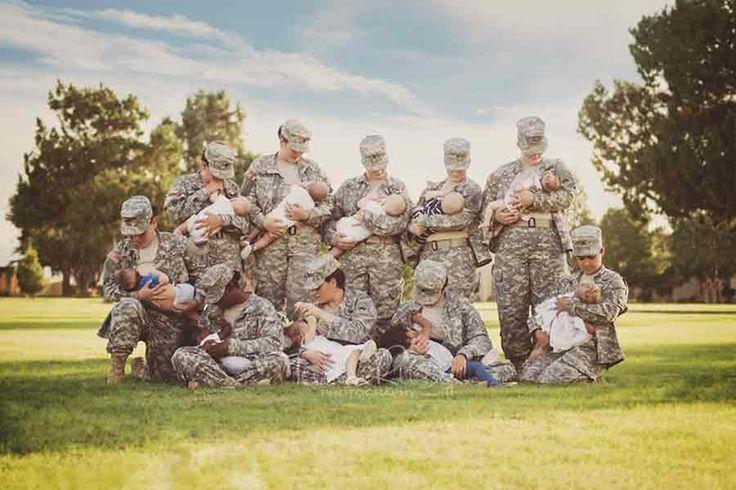 A fotografia de dez militares norte-americanas, devidamente fardadas, a amamentarem os seus bebés já foi partilhada cerca de 10 mil vezes em menos de cinco dias.A fotógrafa autora da imagem foi ela própria uma jovem mãe e militar ao serviço da Força Aérea norte-americana entre 1997 e 2001.