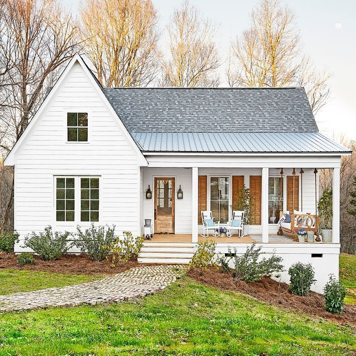 "8,779 Likes, 68 Comments - Country Living (@countrylivingmag) on Instagram: ""This charming Mississippi home has soul to spare. Link in bio to see inside! #CLdecor #housegoals…"""