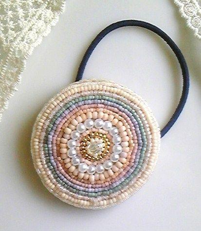 ビーズ刺繍のヘアゴム(サークルモチーフ)1画像1