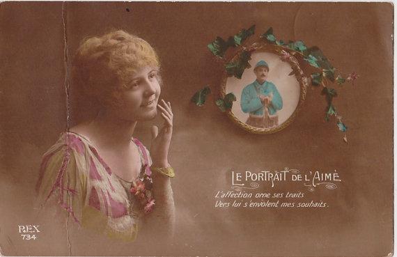 Antique French Poastcard: Le Portrait de L'amime