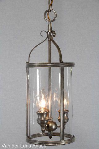 Nikkelen lantaarn 24851 bij Van der Lans Antiek. Bekijk ook onze kristallen kroonluchters en antieke lusters op www.lansantiek.com