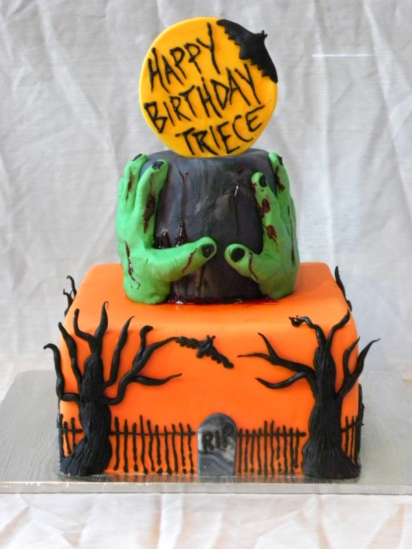 60 best halloween images on Pinterest Halloween birthday cakes
