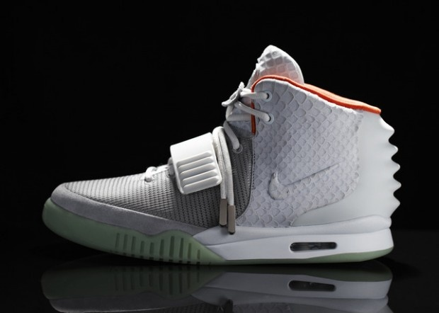 http://cdn.nicekicks.wpengine.com/wp/files/2012/06/Nike_Air_Yeezy_II_Profile_large-620x442.jpg: Running Shoes, Yeezy Ii, Kanye West, Style, Kanyewest, Happening In West, Nike Sneakers, Nike Air Max, Air Yeezy