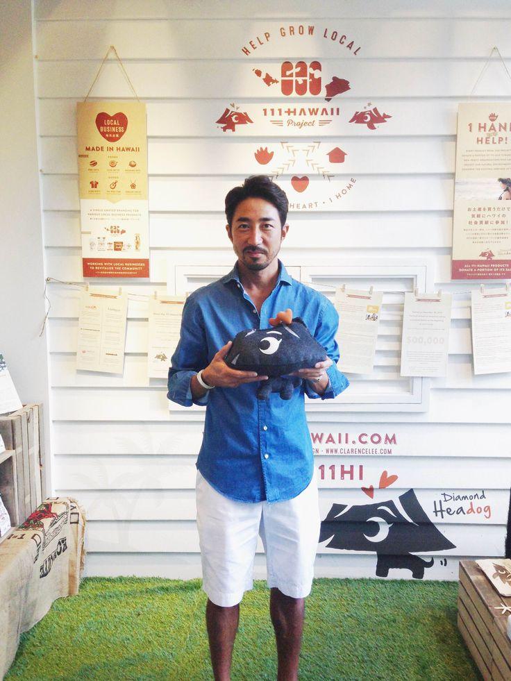 """男性ファッション誌『LEON』や『OCEANS』の創刊を手掛け、""""モテるオヤジ""""や""""ちょいワル""""ブームを作った干場義雅さんが来店されました!  Yoshimasa Hoshiba who started popular men's fashion magazine """"LEON"""" and """"OCEANS"""" visited our showroom! His fashion styles inspire many men in Japan... so honored to have met you!"""