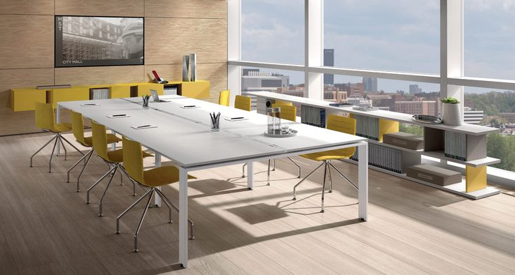 Z685 - Meeting table with portal leg.