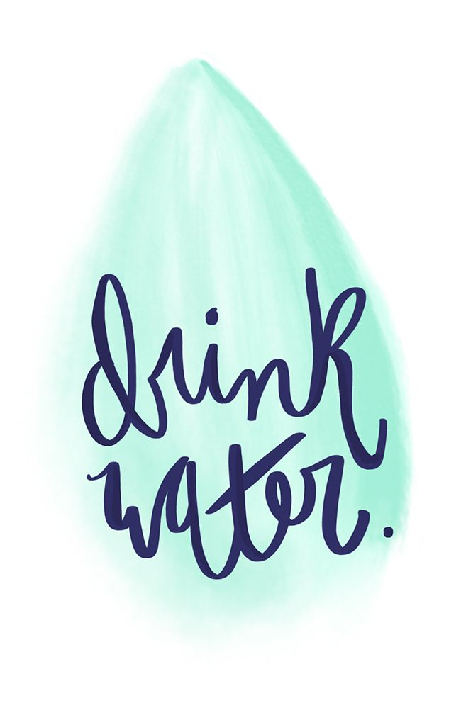 How to Drink More Water: tips, water tracker, free printable and phone wallpapers to help remind you to hydrate! | Thyme is Honey