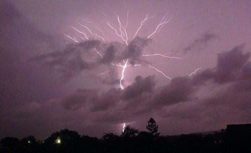 Image via We Heart It https://weheartit.com/entry/135339369/via/8562765 #lightning #rain #sky #instagram
