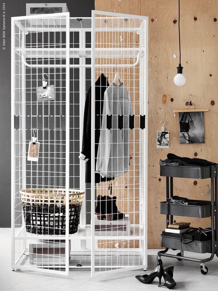 Den transparenta IKEA PS 2014 garderoben, design Matali Casset, GADDIS korg, RÅSKOG rullbord, HYFS skolåda, ENUDDEN krok med klämma, LEDARE LED ljuskälla med SEKOND upphäng i svart textil.