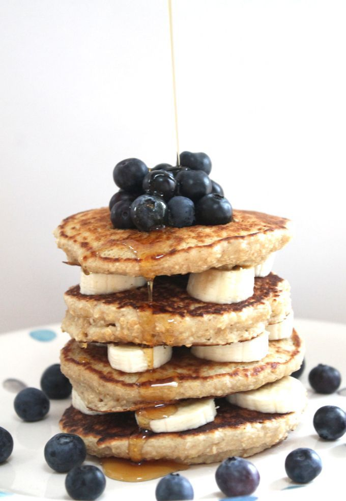 Oat Pancakes with Banana and Blueberries - super healthy and gluten free