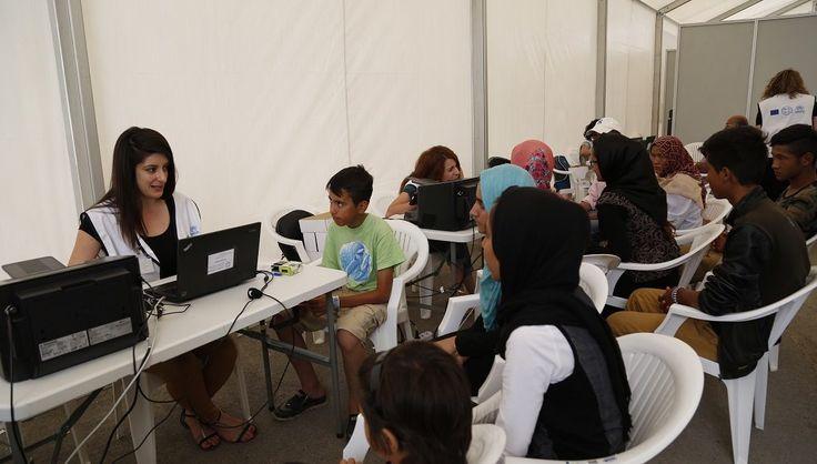 [ΕΡΤ]: Δυσκολία στην έκδοση ΑΜΚΑ, ΑΦΜ, κάρτας ανεργίας αντιμετωπίζουν οι αιτούντες άσυλο   http://www.multi-news.gr/ert-diskolia-stin-ekdosi-amka-afm-kartas-anergias-antimetopizoun-etountes-asilo/?utm_source=PN&utm_medium=multi-news.gr&utm_campaign=Socializr-multi-news