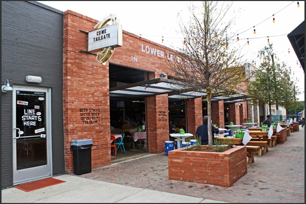 Twisted Root Burger Company, Arlington, Texas