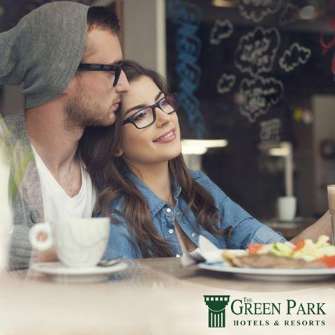 Sevgilinizle yiyebileceğiniz bir akşam yemeğinden daha güzel ne olabilir hayatta? 14 Şubat'ta The Green Park Kartepe Resort & SPA'ya bekleniyorsunuz. www.karteperesort.com