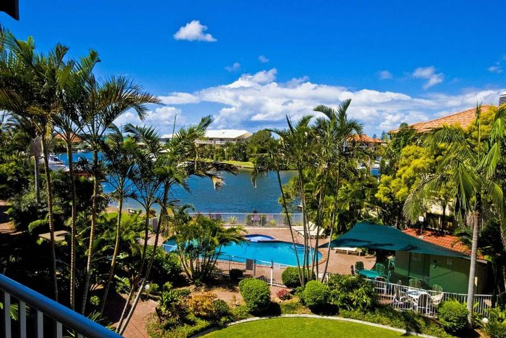 Bayview Waters - Landscaped Tropical Gardens - Gold Coast Runaway Bay 2 Bedroom Apartments