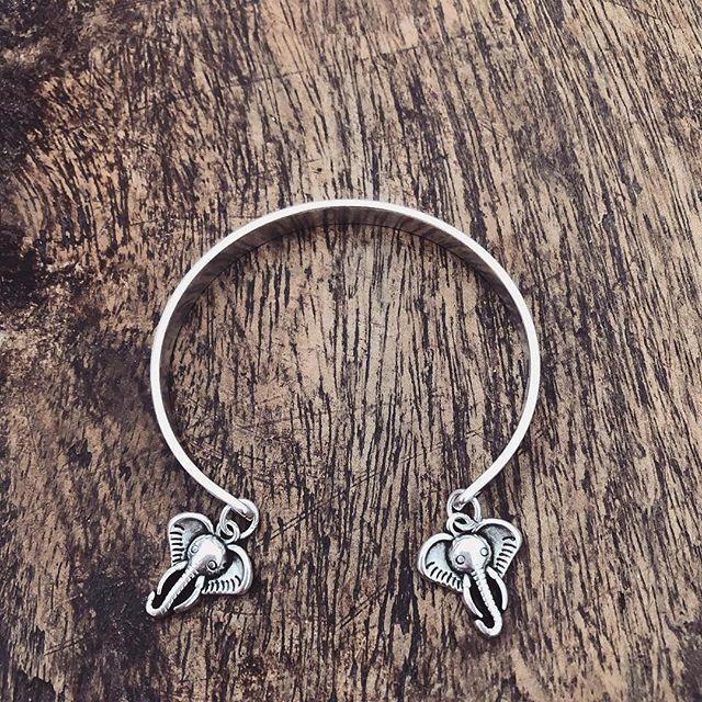 🌸🐘 Silver ➕ Elephant 🐘🌸 👉🏽 www.twininas.gr 👈🏽 #twininas #twininastales #silverbracelet #ss18 #wiwt #fashion #jewelrygram #silver #elephantcharm #charmsbracelet #beautiful #bohemian #metallic #cuff #bracelets #layeringjewelry #instadaily #igdaily #fashiongram #stylegram #instafashion #instastyle #love #instajewelry #twininasathens #potd #ootd #jewelryaddict #moodoftheday