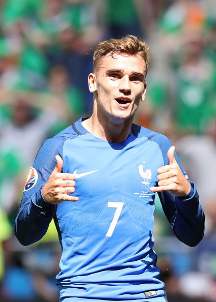 #EURO2016 France's forward Antoine Griezmann celebrates scoring a goal during the Euro 2016 round of 16 football match between France and Republic of Ireland...