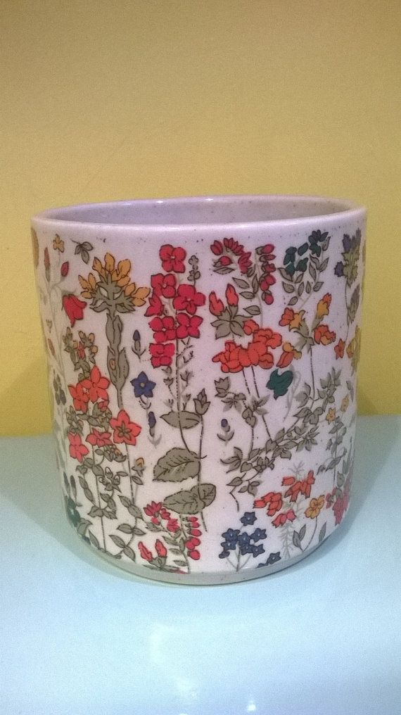 Vintage flower pot by PoesjeNelVintage on Etsy