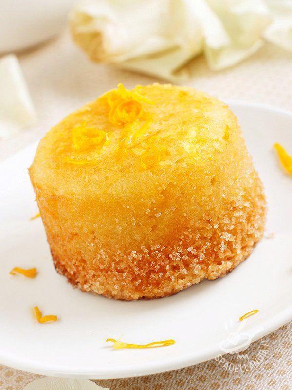 Soft cakes with orange - Ecco un'idea golosissima per sorprendere i vostri ospiti con un'esplosione di bontà. E poi le Tortine morbide all'arancia sono anche semplici da preparare! #tortinearancia