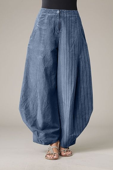 Trousers Santina--reminds me of Japanese construction workers' pants!