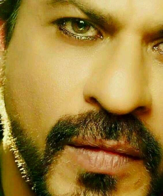 Dangerous Look Of Raees Khan
