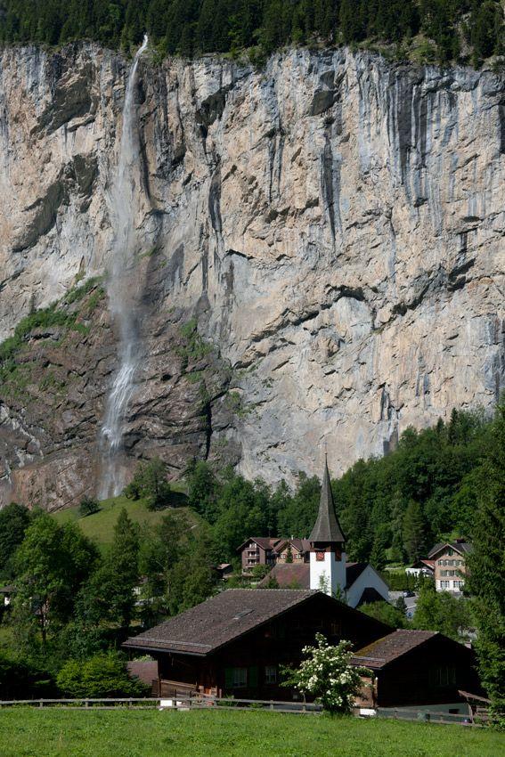 SwitzerlandDreams, Beautiful, Design Bags, Travel, Places, Layered Cake, Lauterbrunnen Suisse, Backyards, Church Switzerland