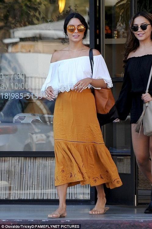 Vanessa Hudgens wearing Sunday Somewhere Yetti Sunglasses in Burgundy, Danielle Nicole Savannah Tote in Cognac and Lovers +…