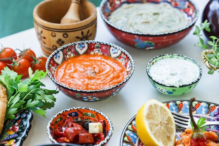 Inviter til gresk smaksfest neste gang du skal lage mat til mange!