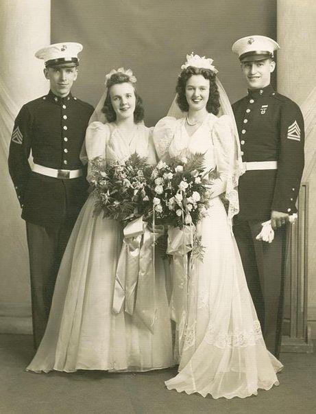 Les 84 meilleures images du tableau double weddings sur for Don de robe de mariage militaire