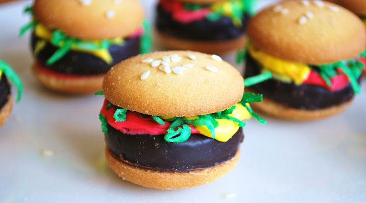 hamburger treats | Do not be fooled. These are in fact cookies that look like hamburgers ...